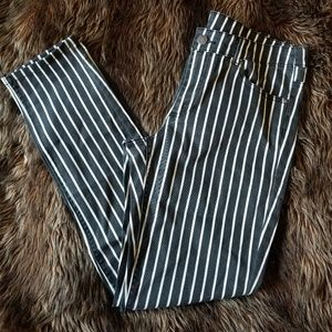 Black and white striped stretchy jeans